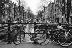 bicicletas ponte Amsterdam